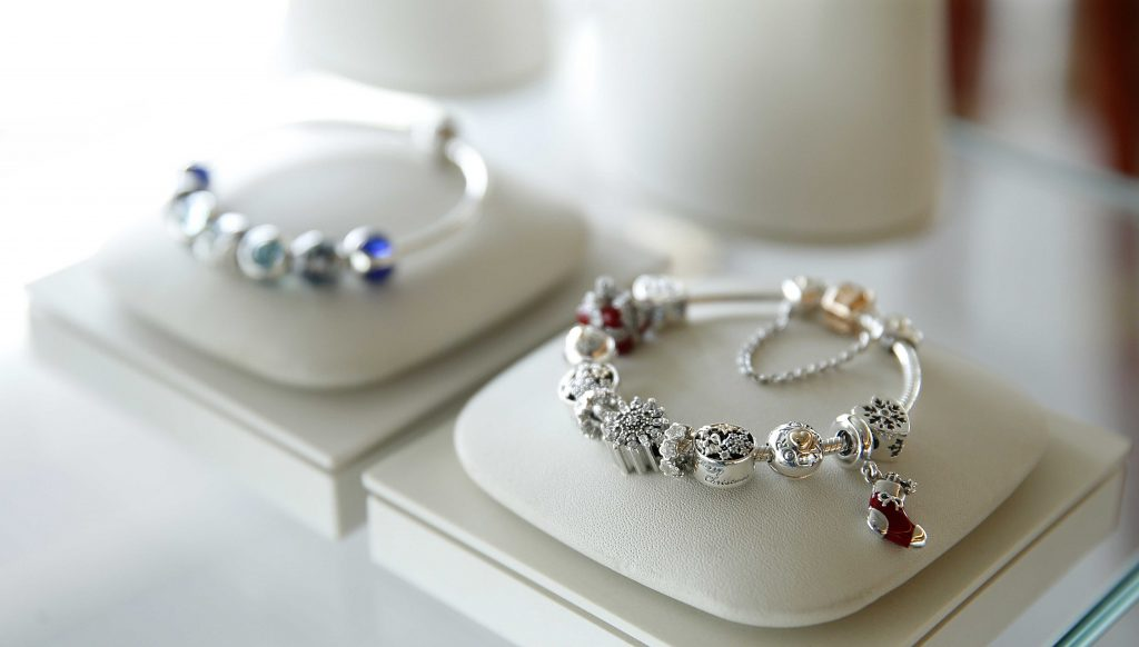 fa086f1f0ce A lot of the recent Holiday charms were included in the PANDORA sale and  now we know why! There is a new Stocking, Snowflake, Snowflake Heart and  Christmas ...