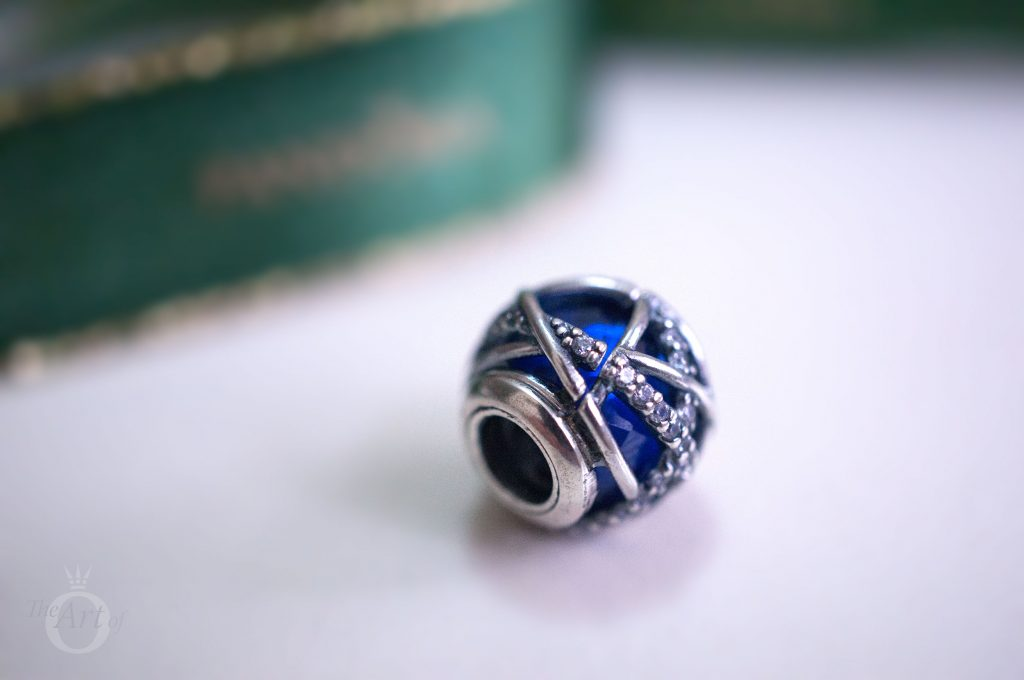 B800647 pandora 796463CZ Disney Mickey Minnie Love Icons Charm limited edition free gift clutch bag winter 2017 2018 valentines day summer spring autumn the official pandora uk estore us usa america best christmas gift popular top ten becharming becharming.com 796361NCB PANDORA royal blue galaxy charm
