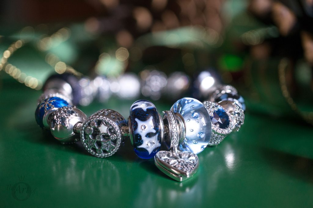 796361NCB PANDORA royal blue galaxy charm B800647 pandora 796463CZ Disney Mickey Minnie Love Icons Charm limited edition free gift clutch bag winter 2017 2018 valentines day summer spring autumn the official pandora uk estore us usa america best christmas gift popular top ten becharming becharming.com 796361NCB PANDORA royal blue galaxy charm