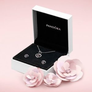 b800305-breast-cancer-pandora