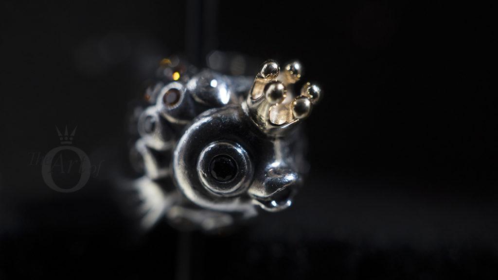 charm pandora pesce russo