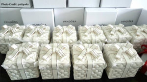 pandora asian exclusive christmas ceramic jewellery box