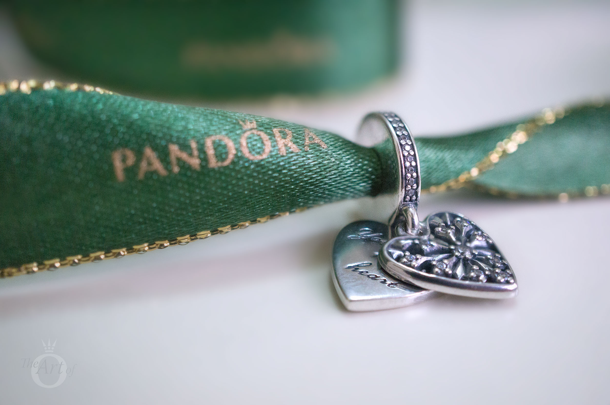 14705712b REVIEW: PANDORA Heart of Winter Pendant Charm - The Art of Pandora ...
