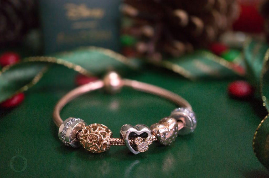 B800647 796463CZ Disney Pandora Mickey and Minnie Love Icons Charm limited edition free gift clutch bag winter 2017 2018 valentines day summer spring autumn the official pandora uk estore us usa america best christmas gift popular top ten becharming becharming.com