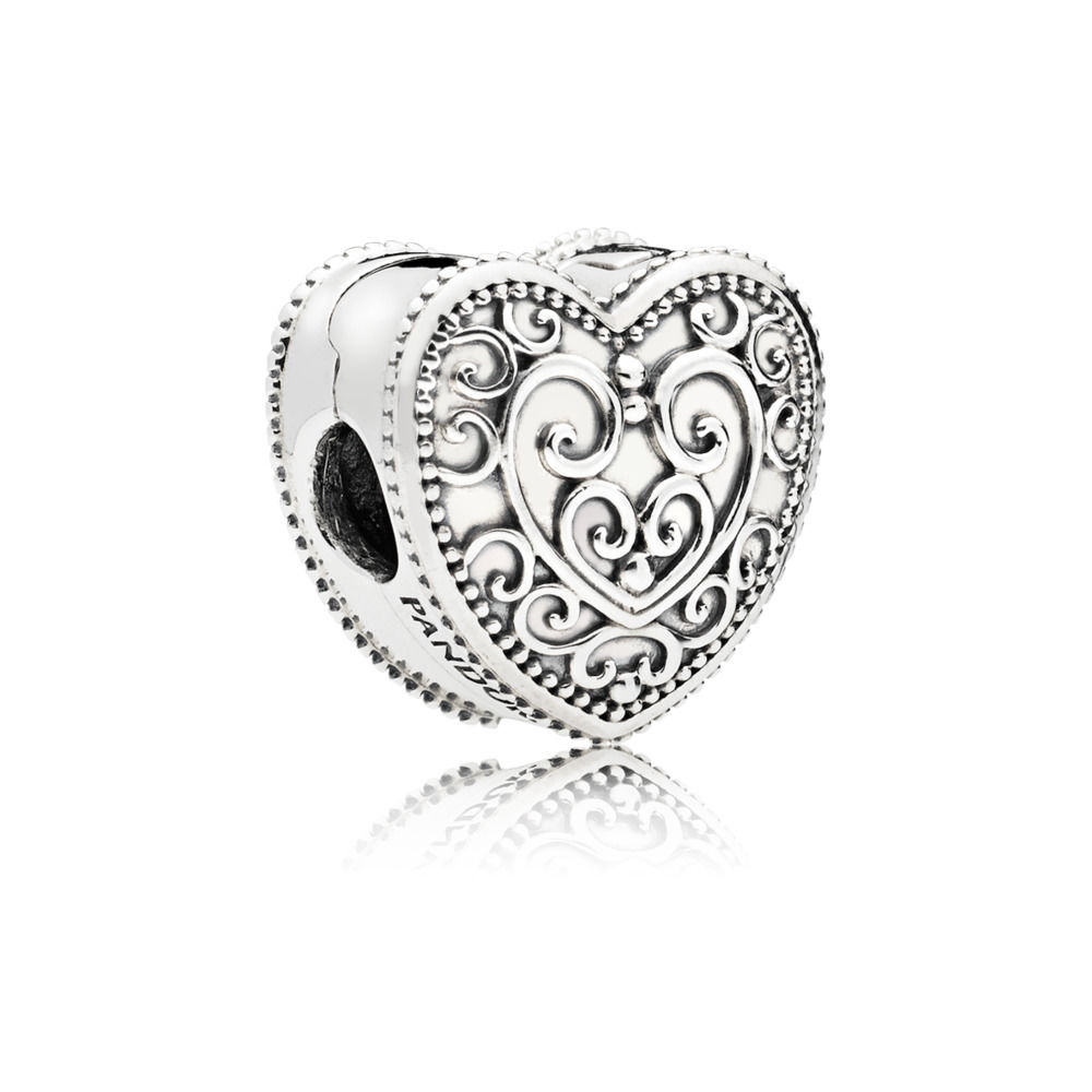797024 Enchanted Heart Clip Charm