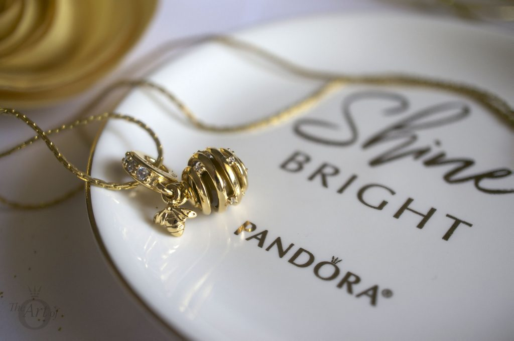 PANDORA Shine Sweet As Honey Pendant Charm 767044CZ spring queen bee summer new collection free gift morapandora theartofpandora becharming becharming.com pandora sale free pandora clutch mothers day bag ring dish