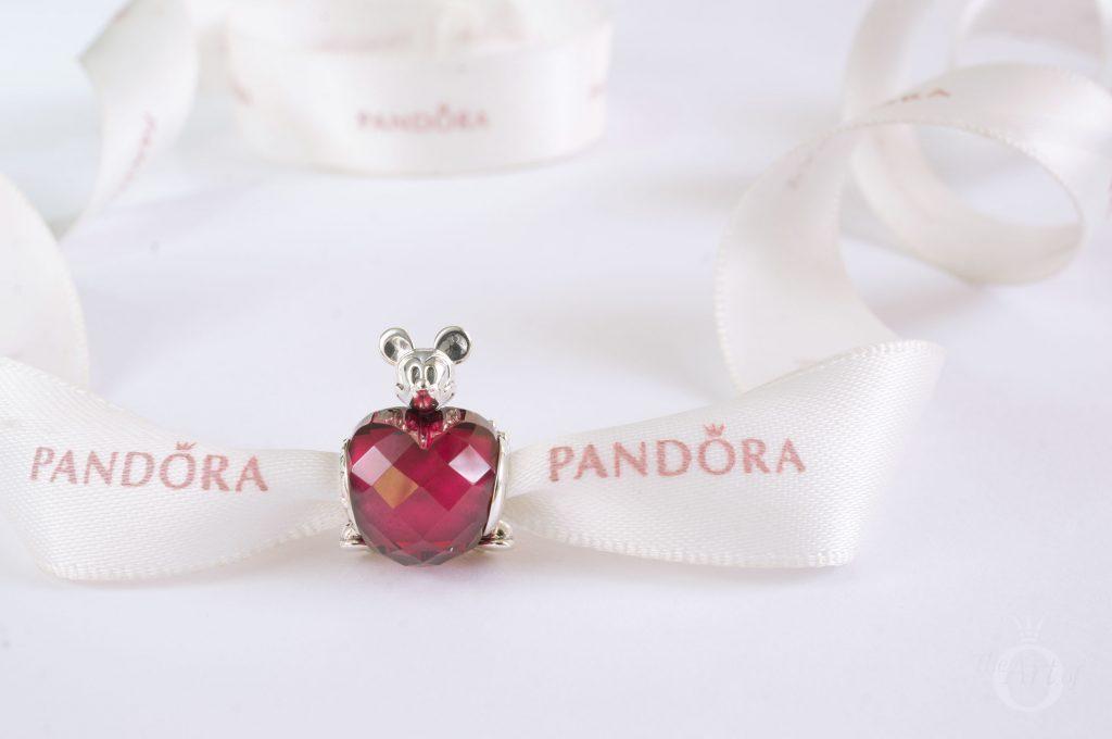 REVIEW: PANDORA Disney Mickey Love Heart Charm - The Art of Pandora