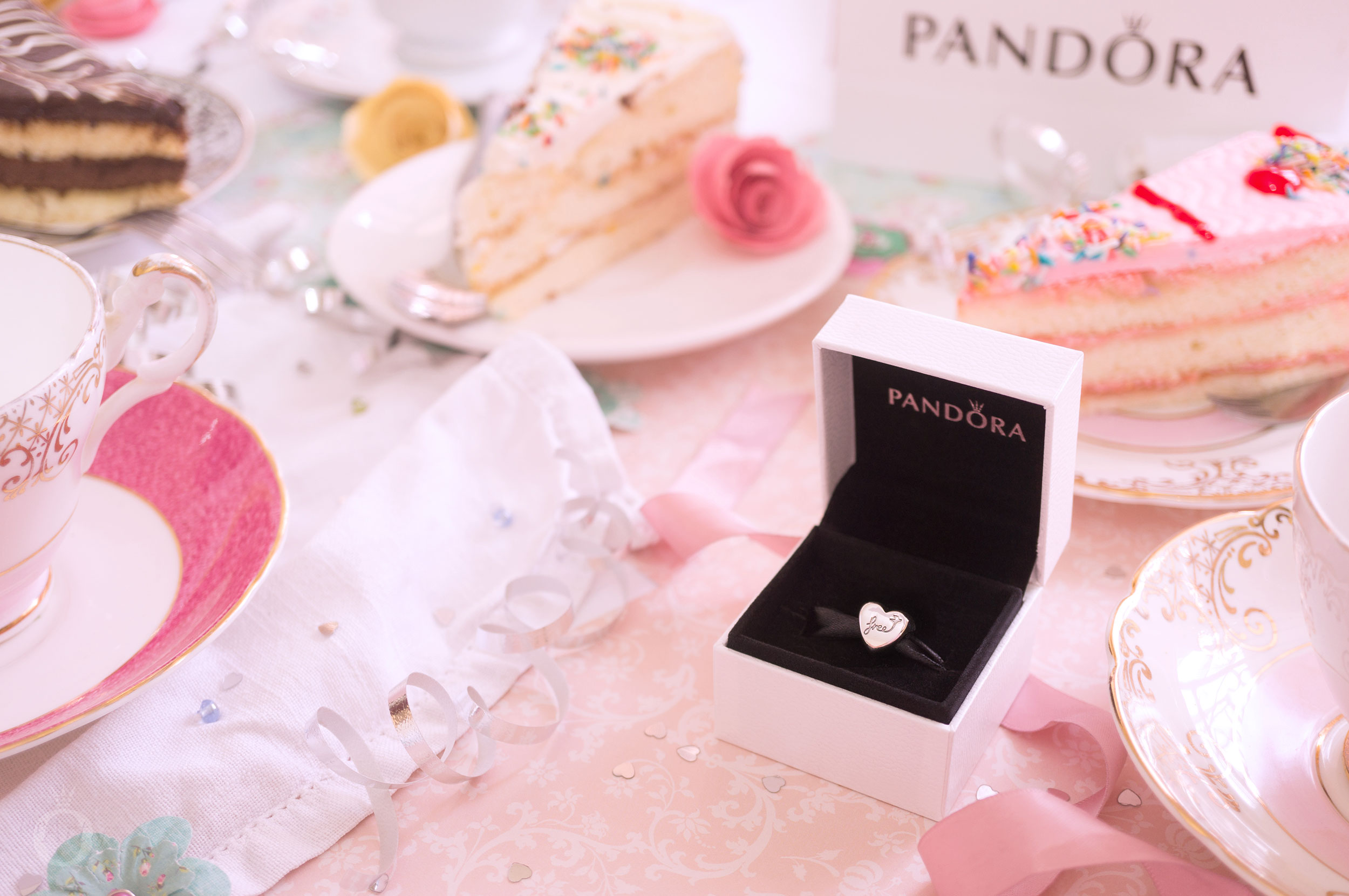 Share the Moment with PANDORA | The Art of Pandora | MAGAZINE