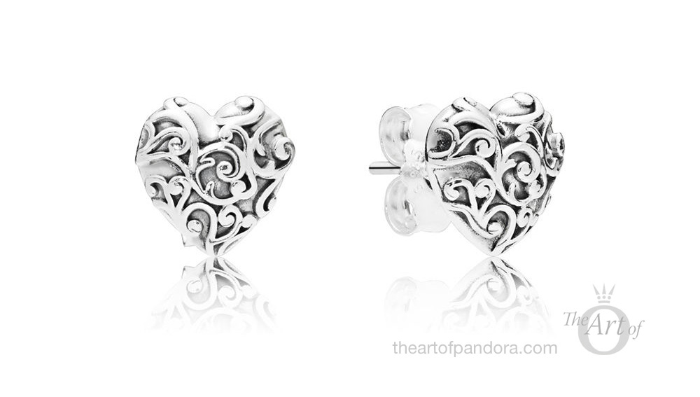 PANDORA Regal Hearts Stud Earrings (297693)