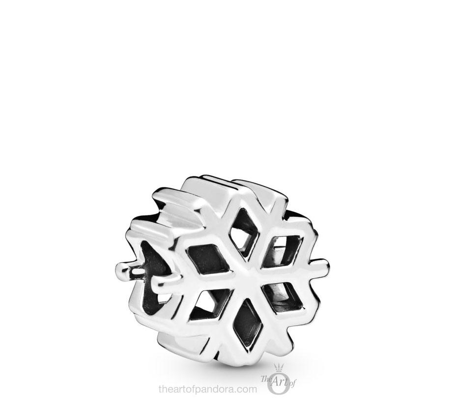 798469C00 Pandora Polished Snowflake Charm winter 2019