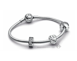 798952C00 Pandora 20th anniversary strawberry charm limited edition