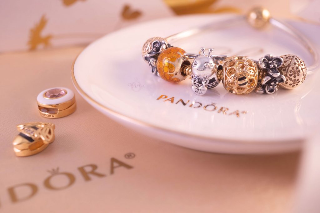 798789C01 Pandora Bee Mine Charm  Spring Summer 2020 new collection becharming official pandora uk USA estore 20th anniversary two tone gold 14k review preview