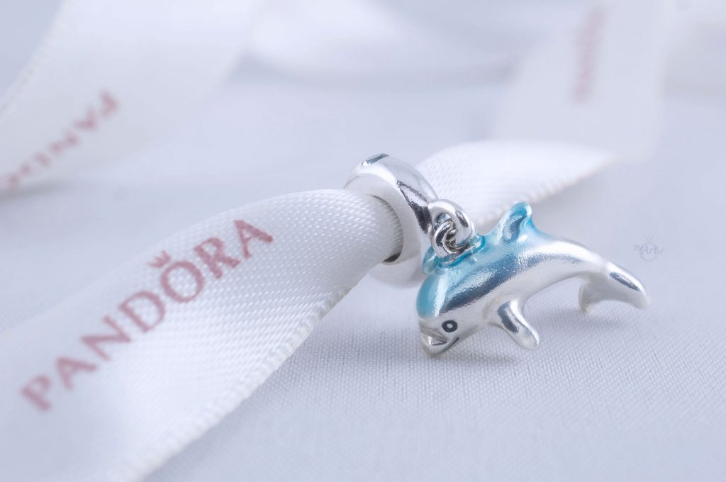 Pandora Shimmering Dolphin Dangle Charm 798947C01 Summer Ocean 2020 new collection Disney Star Wars x Pandora blog blogger review autumn