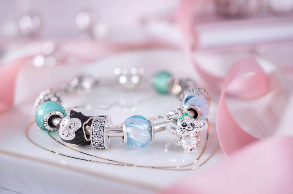 Disney x Pandora Cinderella Gus Mouse Dangle Charm (798849C01) winter 2020 spring summer mothers day 2021 new collection cinderella 70th anniversary blog blogger gift gwp