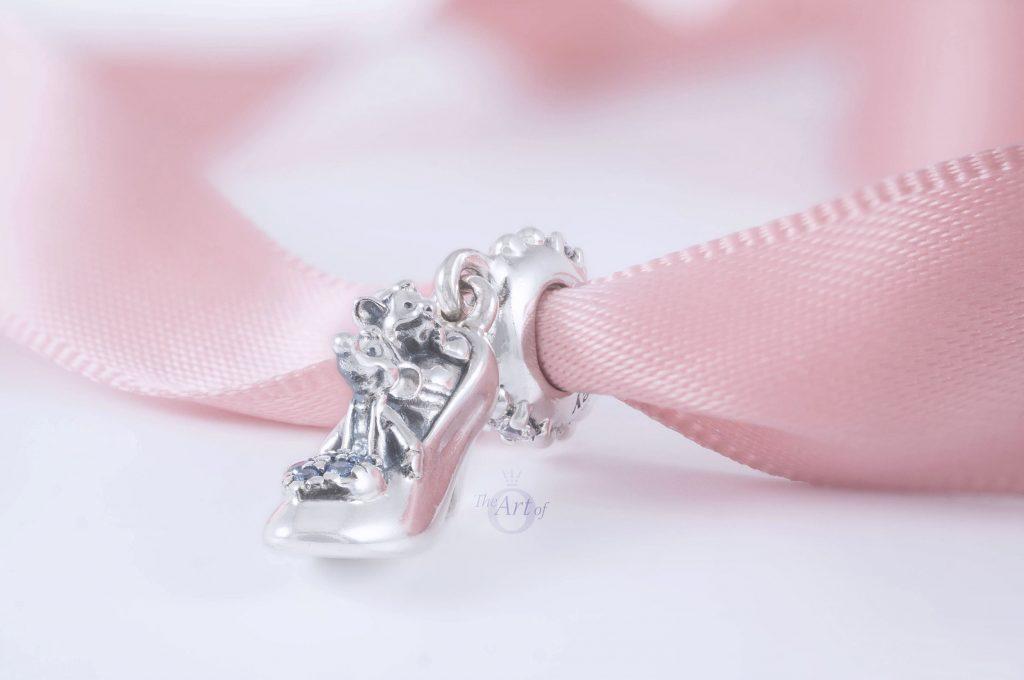 Disney x Pandora Cinderella Glass Slipper & Mice Dangle Charm 799192C01 Pandora Новая коллекция День матери весна лето зима 2021 2020
