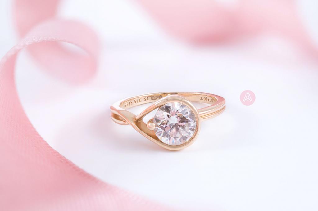Кольцо Pandora Brilliance из 14-каратного золота в 1 карат (159450C01), новая коллекция 2021 г., эксклюзивный интернет-магазин Великобритании, осень, весна, лето